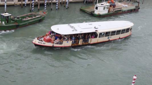 Vannbuss på Canal Grande