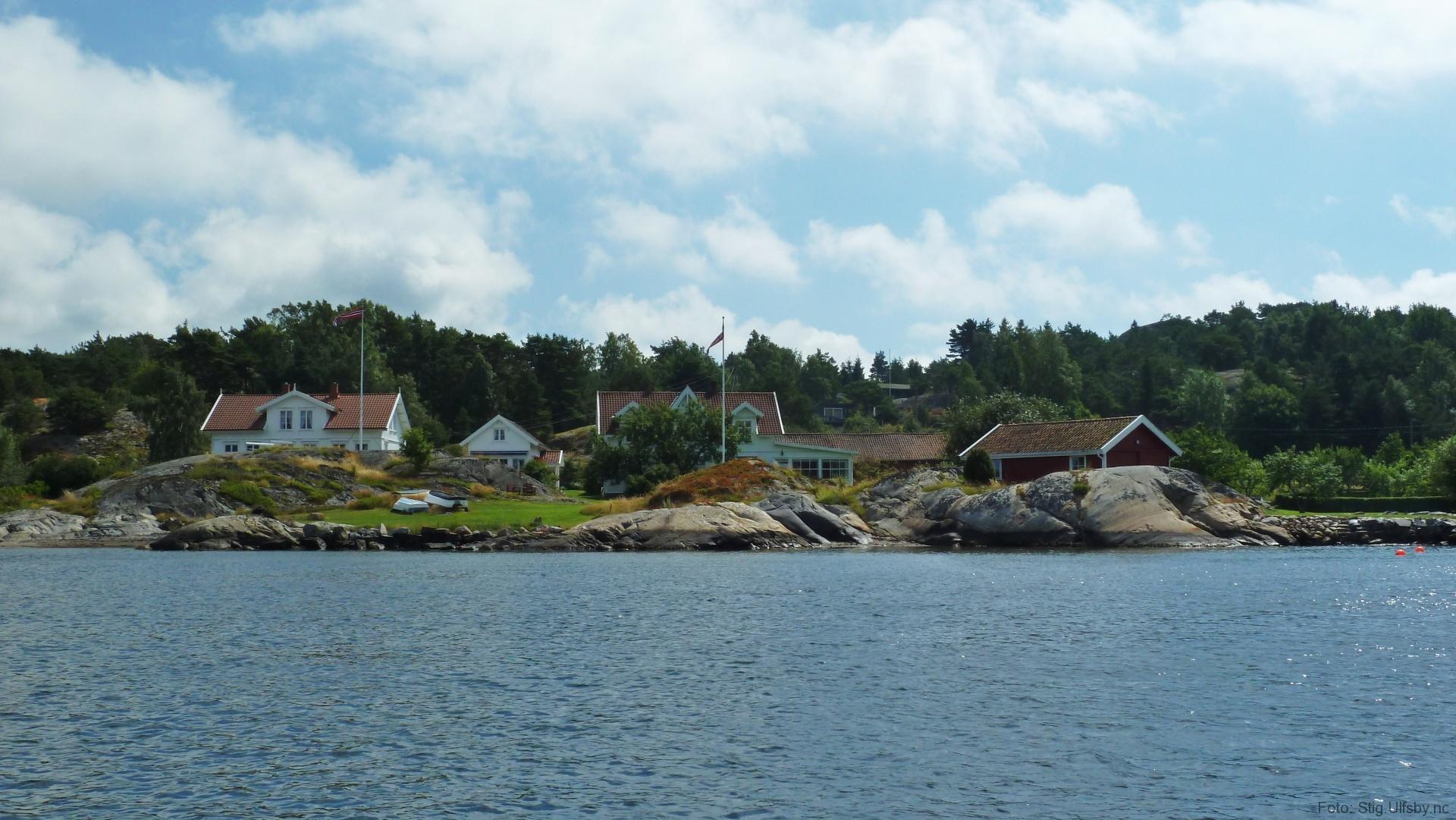 Det gamle pensjonatet i Buvika i Gravningsund, Søndre Sandøy, Hvaler juli 2010