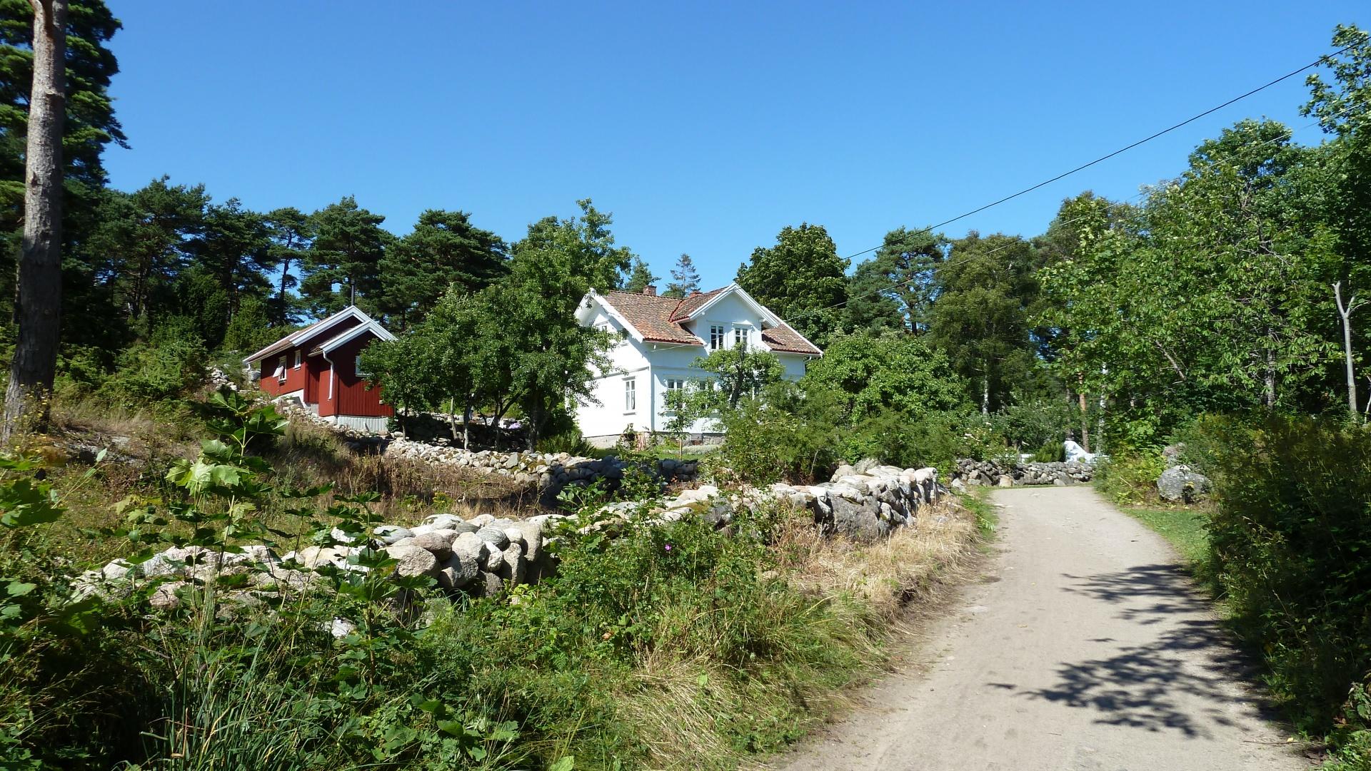 Nedgården på Søndre Sandøy, Hvaler juli 2010