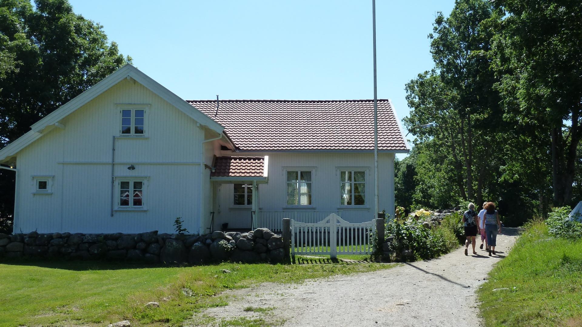 Samfunnshuset på Nedgården, Søndre Sandøy, Hvaler juli 2010