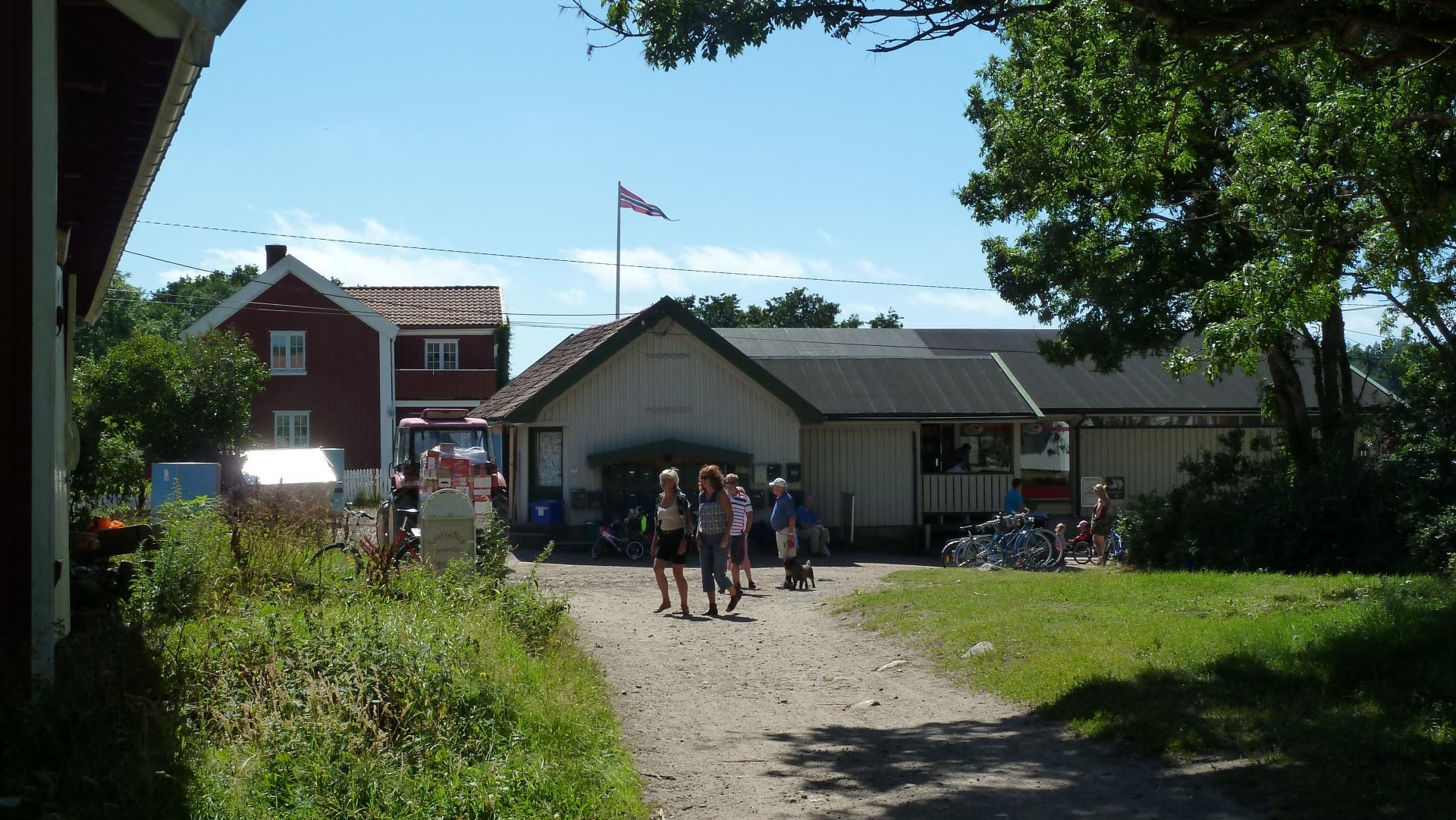 Sommerbutikken på Nedgården, Søndre Sandøy, Hvaler juli 2010
